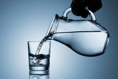 Лить вода стоковые фотографии rf