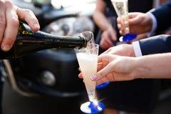 лить стекла шампанского Стоковые Изображения RF