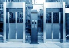 Лифт, голубое изображение тона Стоковое фото RF