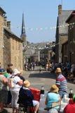 Лихорадка Тур-де-Франс в Larchamp как каждое ожидает велосипедистов стоковые изображения