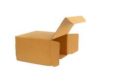 Лицевая сторона картонной коробки Брайна изолированная на белой предпосылке Стоковые Фото