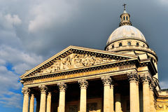 Лицевая сторона Парижа пантеона Стоковое Фото