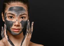 Лицевой щиток гермошлема женщины слезая портрет красоты Косметика стоковое фото rf