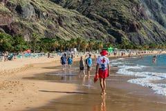 Личная охрана на пляже Las Teresitas, Тенерифе, Канарские острова, Стоковое Изображение
