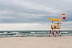 личная охрана пляжа пустая около станции моря Стоковая Фотография