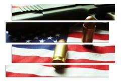 Личное огнестрельное оружие 1911 с 45 автоматическими пулями & американским флагом высококачественными Стоковое Изображение RF