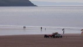 Личные охраны Великобритания вечера моря пляжа акции видеоматериалы