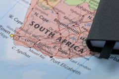 Личные примечания плановика путешественника планируя отключение к Южной Африке стоковые изображения rf