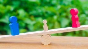 Лишение родительских прав концепция опеки ребенка развод законный молоток судьи суд по семейным делам, закон стойка родителей стоковое фото rf