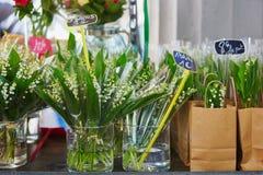 Лилии долины на французском рынке цветка в Париже Стоковые Фото