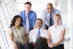 лобби группы предпринимателей стоковое фото rf