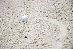 ловушка песка гольфа шарика Стоковое Изображение RF