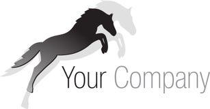 логос черной лошади скача иллюстрация вектора