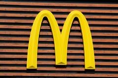 Логос Mc Дональд стоковые фотографии rf