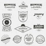 Логотипы и ярлыки значков Woodworking для любых используют иллюстрация штока