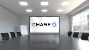 Логотип банка гоньбы JPMorgan на экране в конференц-зале Редакционная 3D анимация бесплатная иллюстрация