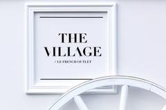 Логотип деревни на стене Стоковые Изображения RF
