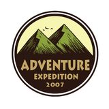 Логотип для располагаясь лагерем приключения, эмблем, и значков горы Лагерь в шаблоне иллюстрации круга вектора леса Стоковые Изображения