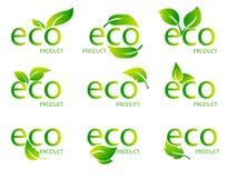 Логотип зеленого цвета натурального продучта Eco дружелюбный органический Комплект зеленого слова с зелеными лист также вектор ил Стоковое Изображение