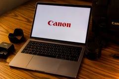 Логотип канона на экране компьютера Стоковые Изображения