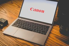 Логотип канона на экране компьютера Стоковая Фотография RF