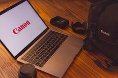 Логотип канона на экране компьютера Стоковое Изображение RF