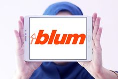 Логотип компании штуцеров мебели Blum Стоковые Фотографии RF