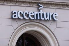 Логотип компании Accenture в городе Риги стоковое фото
