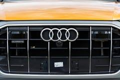 Логотип компании Audi на автомобиле Audi Quattro стоковые фотографии rf