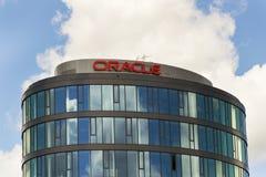 Логотип компании Oracle на штабах строя 18-ого июня 2016 в Праге, чехии Стоковое фото RF