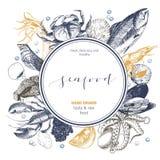 Логотип морепродуктов вектора нарисованный рукой Омар, семга, краб, креветка, ocotpus, кальмар, clams Выгравированное искусство в Стоковое Фото