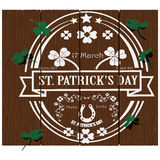 Логотип дня StPatrick на древесине Стоковая Фотография RF