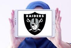 Логотип футбольной команды рейдовиков Окленд американский Стоковые Изображения RF
