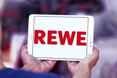 Логотип цепи супермаркетов REWE Стоковое Изображение
