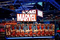 Логотип чуда в магазине Hamleys Группа комиксов чуда издатель американских комиков и родственных средств массовой информации стоковая фотография rf