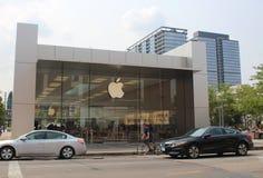 Логотип Яблока на магазине Яблока Lincoln Park, Чикаго Стоковые Изображения RF