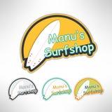 Логотип ярлыка Surfboard или вздымаясь доска магазина T Стоковые Фото
