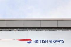 Логотип British Airways на стене Стоковые Изображения RF