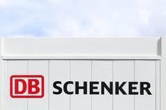 Логотип DB Schenker на стене Стоковое фото RF