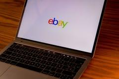 Логотип Ebay на экране компьютера Стоковые Изображения