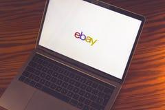 Логотип Ebay на экране компьютера Стоковое Фото