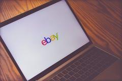 Логотип Ebay на экране компьютера Стоковые Фото
