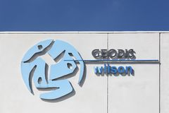 Логотип Geodis Уилсона на стене Стоковые Изображения RF