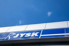Логотип Jysk на их местном магазине в Indjija Jysk датская сеть розничных магазинов, продавая предметы домашнего обихода Стоковые Изображения RF