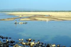 Лодочник и река Стоковые Изображения RF