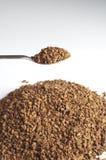 ложка зерен кофе decaffeinated Стоковые Изображения RF
