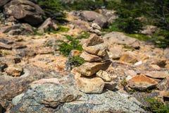 Ложь камней na górze одина другого Shevelev стоковое изображение