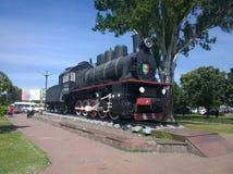 Локомотив пара на железнодорожном вокзале в городе Ro Krivoi Стоковая Фотография