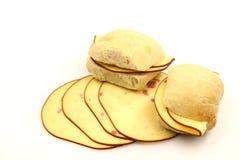 ломтики сыра хлеба свежие курили стоковое фото rf