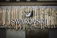 Лондон, Большой Лондон, Великобритания, 7-ое февраля 2018, знак и логотип для Swarovski стоковое фото rf